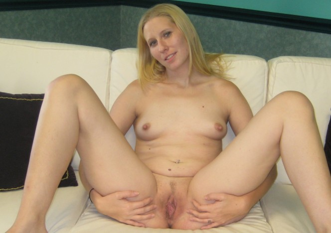 content/030715_blondie_gets_naked_for_the_first_time_then_masturbates/0.jpg