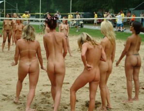 Girl volleyball naked — pic 2