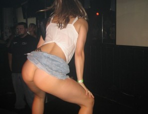 content/080214_thong_booty_shake_contest_here_in_tampa/1.jpg